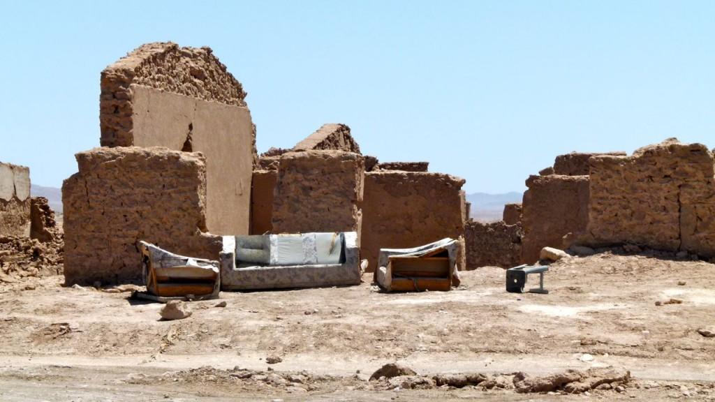 Verlaten mijnwerkersdorp in de Atacama-woestijn (Chili)