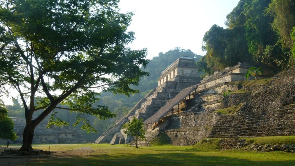 Tempel in de Mayastad Palenque (Yucatan) / (c) Wim A.E. Jansen