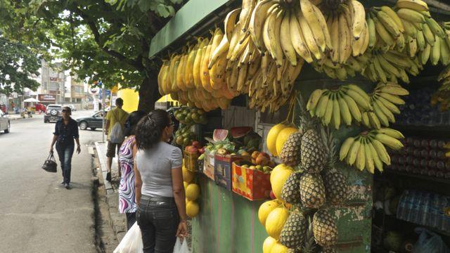 Fruitstal in de wijk Barra.